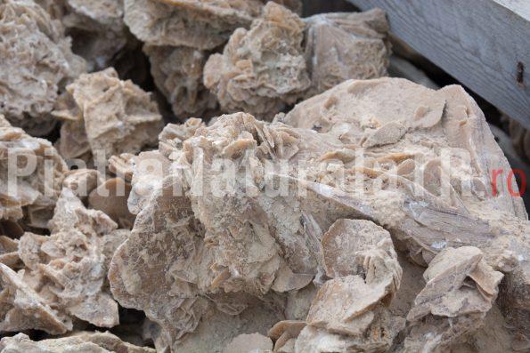 piatra desert 10 lei 1 kg-piatra-naturala-decorativa