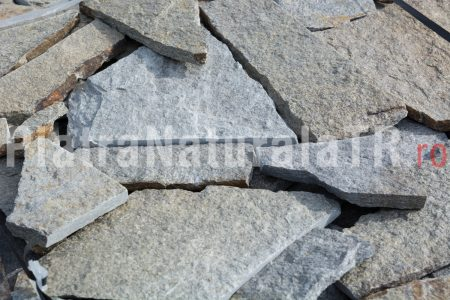 poligonal small gneiss 24 lei mp (2)-piatra-naturala-decorativa